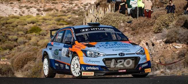 Surhayen Pernía y Alba Sánchez finalizan en la segunda plaza en el Rallye Isla de Tenerife