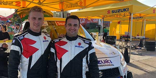 Óscar Sarabia y Juan Antonio Dertiano en el Rally de Madrid con un Suzuki N5