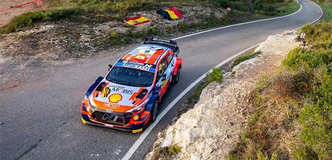 Sordo supera a Ogier y ya es tercero a falta de dos tramos para el final del Rally Cataluña